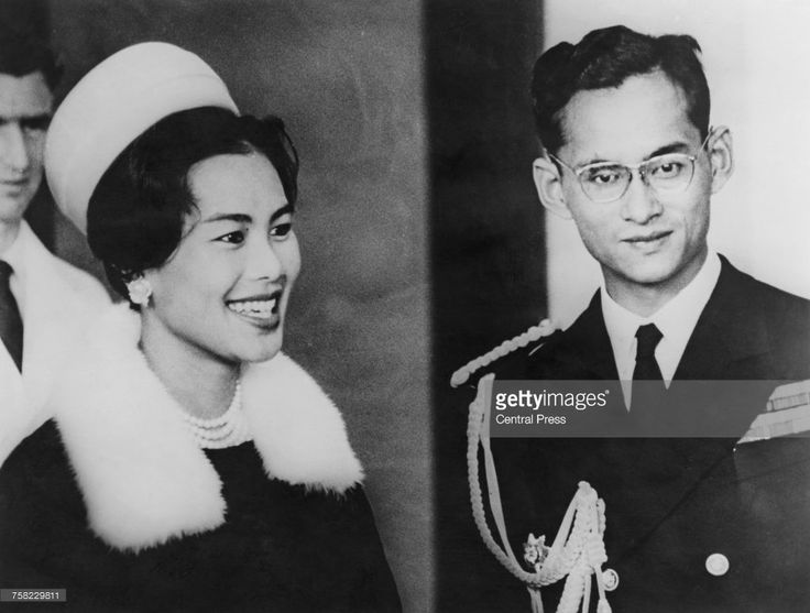 Bhumibol Adulyadej (1927 - 2016), King of Thailand, and Queen Sirikit at Wellington Airport at the start of an eight-day state visit to New Zealand, 22nd August 1962.