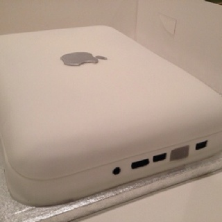MacBook Cake for me......