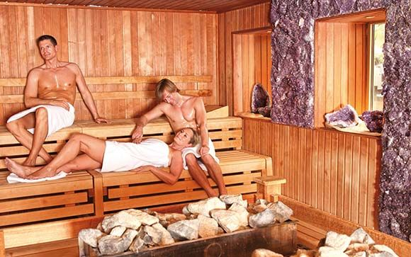 kristall saunatherme ludwigsfelde bei berlin in brandenburg therme sauna aufguss. Black Bedroom Furniture Sets. Home Design Ideas