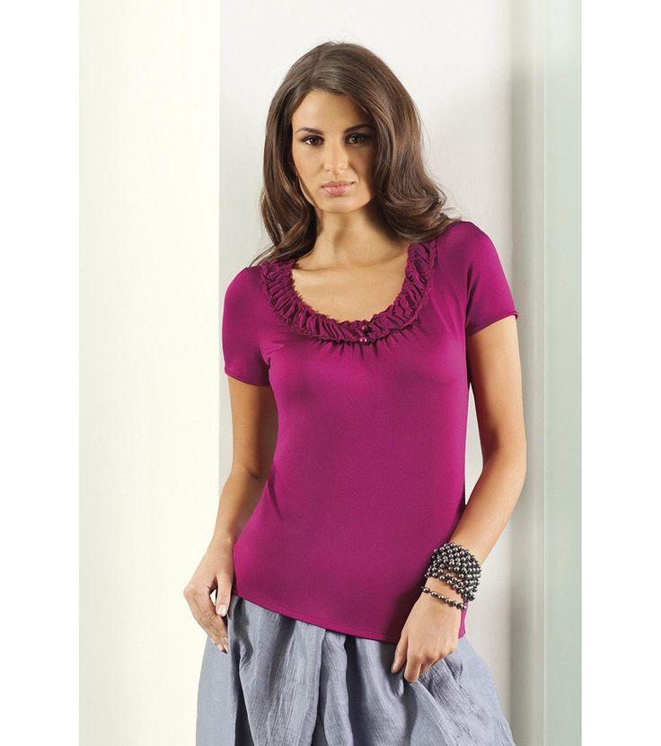 FashionSupreme - Tricou de culoarea ciclamei - Haine de damă - Bluze - Lookat - magnetism pentru femei. Haine şi accesorii de marcă. Haine de designer.