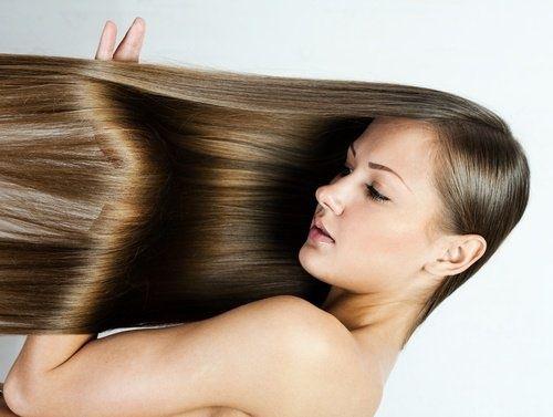 donna Lisciare i capelli