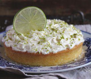 Aan Jeanne`s Keukentafel: Kokosnoot Limoencake met Rumglazuur