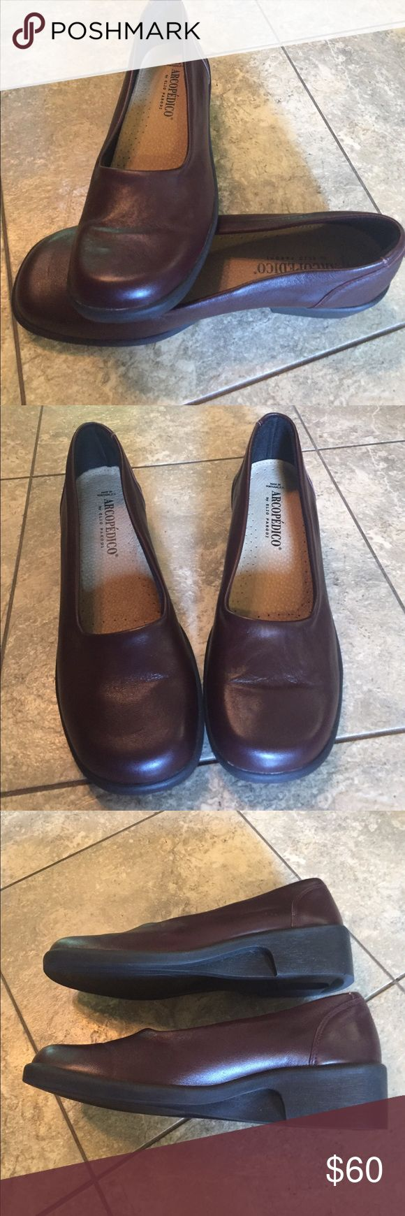 Arcopedico brown loafers sz 39 Nice Arcopedico brown loafers sz 9.  Great condition!!! Arcopedico Shoes Flats & Loafers
