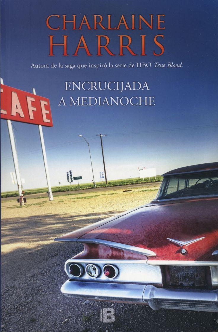 Una historia de misterio y suspenso, que no dejarás de leer de principio a fin. Bienvenidos a Midnight, un pequeño pueblo en torno a un cruce de caminos, en una desolada área del oeste de Texas. Un lugar apartado del mundo donde la acción transcurre alrededor de una encrucijada de norte a sur y de este a oeste. Charlaine Harris (Misisipí, 1951) es la aclamada autora de Muerto hasta el anochecer, primer título de la famosa saga vampírica.: