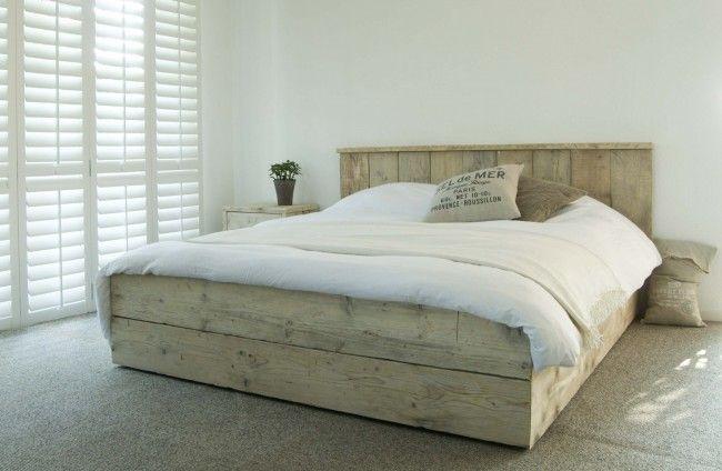 Steigerhout bed 'Modern', steigerhout bedden, bed steigerhout, steigerhouten bed, steigerhout bed by Livengo.nl