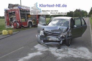 Meerbusch-Strümp (ots) - Am Dienstagnachmittag, den 14.06.2016, kam es in Strümp gegen 16:15 Uhr zu einem folgenschweren Verkehrsunfall.Dabei befuhr ein 50-jähriger Duisburger mit seinem Pkw die Schloßstraße in Richtung Bösinghoven und geriet im Verlauf ei