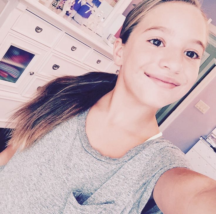 Going to hang with Kalani, Brynn, and Brody today. Going shopping, and going to Starbucks. ~Kenzie
