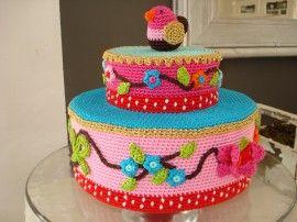Pip taart met vogel ( gehaakt ) | Gehaakte taarten | madebymarjavanhouten