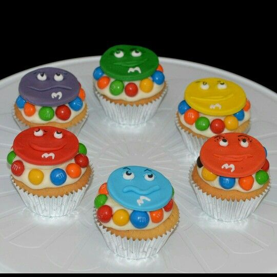 Fun little M & M cupcakes #cuties #m&m #partycakefun