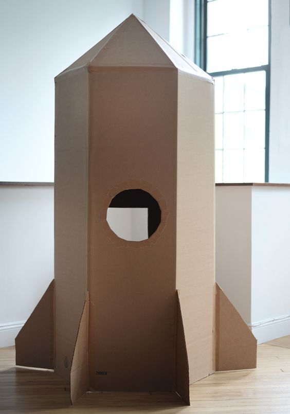 Cardboard Rocket, Cardboard Toys, Cardboard Spaceship, Cardboard Box Houses, Cardboard Box Crafts, Outer Space Party, Outer Space Theme, Diy Rocket, Rocket Ship Craft