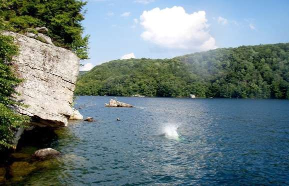 What brings people to Summersville isn't necessarily the town itself, although it is lovely as well — the most beautiful attractions are Summersville Lake and the Gauley River, which is just below the city. Gauley River is well-known for its adventurous whitewater rapids, while Summersville Lake is ideal for swimming, snorkeling, and boating.