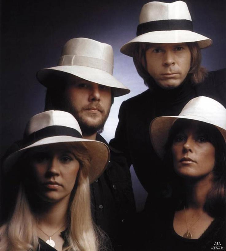 """ABBA - de eerste popgroep waar ik """"fan"""" van werd, lang geleden rond 1975!!"""