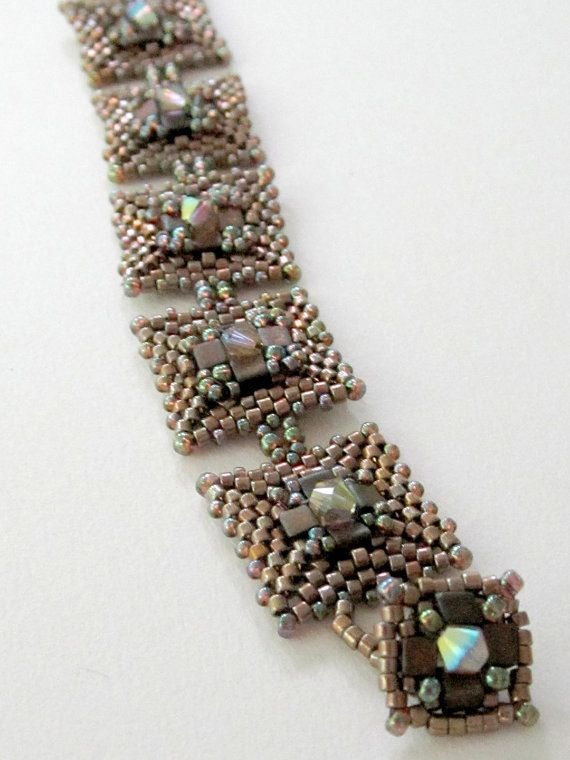 Boxcar Beauty Bracelet Tutorial by Carole Ohl di openseed su Etsy