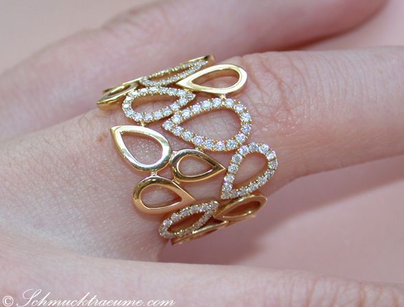 Gold diamond ring