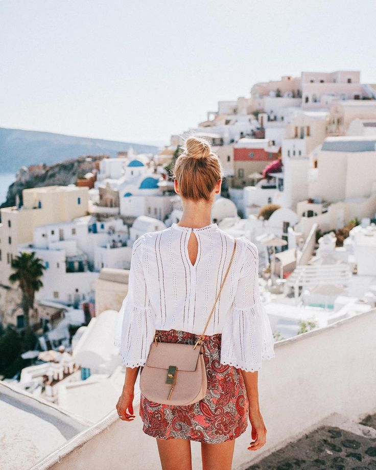 Always a wanderer: the rooftop views in Oía, Santorini are simply amazing - Anna, Arctic Vanilla blog.