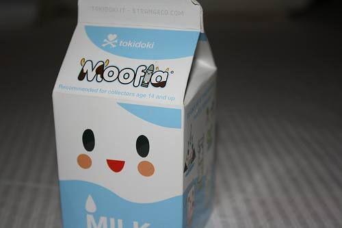 Un cartón de leche se demora en descomponerse 5 años. ¿Y tú qué haces con los cartones de leche? Se #responsable y #recicla tus cartones. http://ow.ly/ni1HT