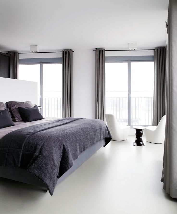 Piet Boon Styling by Karin Meyn | A Amsterdam apartment with purple as color accent