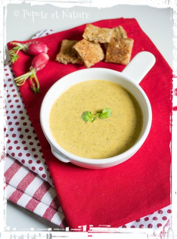 Soupe aux fanes de radis, patate douce, chorizo et lait de coco © Popote et Nature