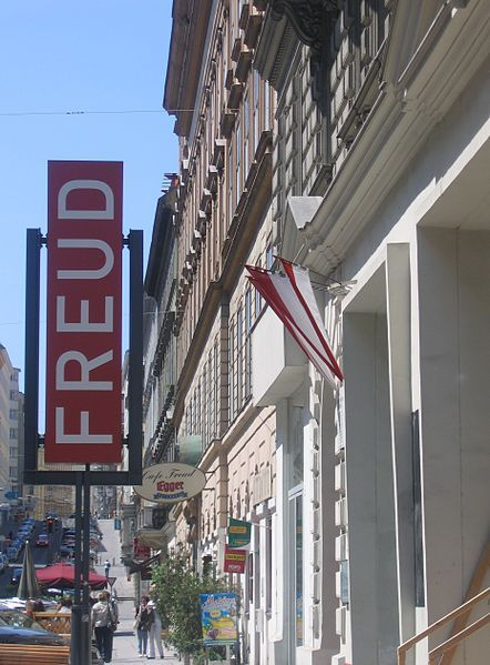Full Size Picture Freud-Museum.jpg