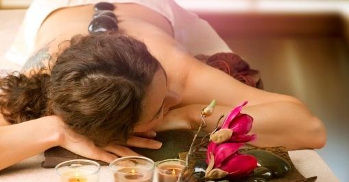 Fantastycznie relaksujący masaż gorącymi kamieniami! 55 zł zamiast 120 zł za godzinny masaż całego ciała w Salonie La Madame