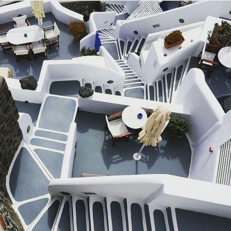 A  maze that will amaze you #esperashotel #esperas #santorini #oia #hotel #luxury #vacation #travel #accommodation #summer #greece