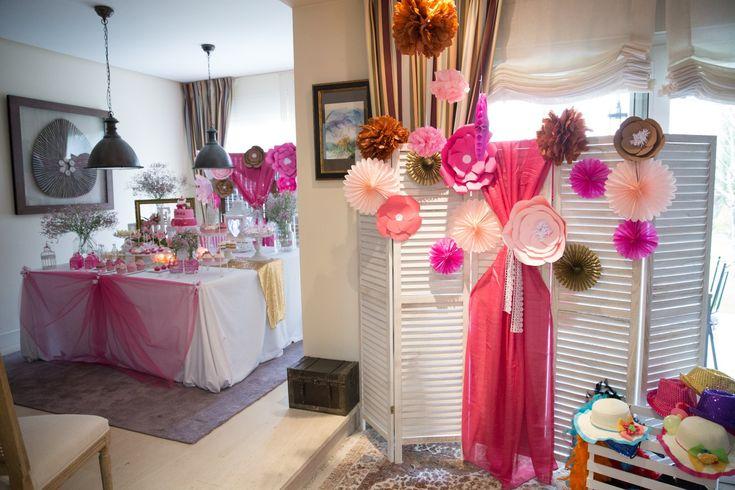 enamorada de esta coqueta decoraci n de baby shower de. Black Bedroom Furniture Sets. Home Design Ideas
