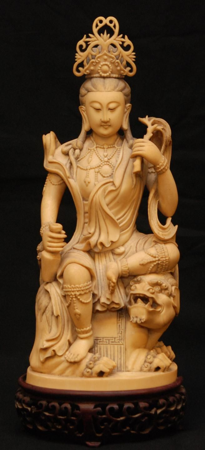 Antique Chinese Hand Carved Ivory Guan Yin Figure. 18th-19th c.
