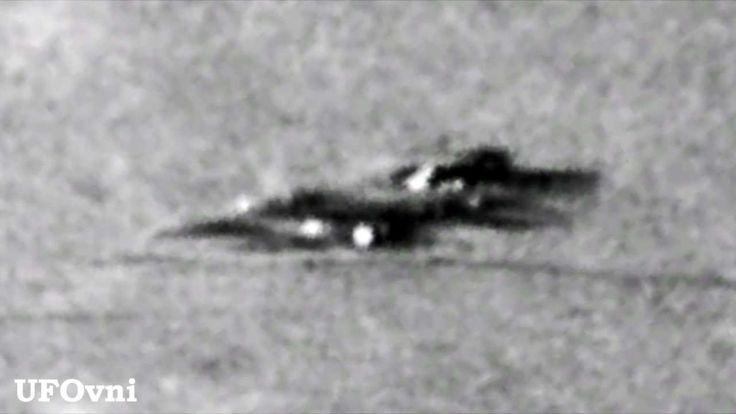 UFO Alien Spacecraft lands on the Moon HD