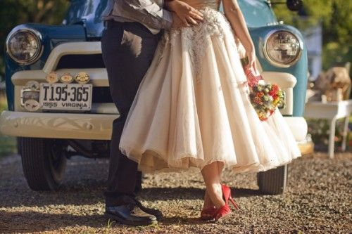 Vintage-Farm-WeddingTeas Length Dresses, Vintage Wedding, Red Shoes, Country Wedding, Farmers Marketing, Rockabilly Wedding, Wedding Photos, The Dresses, Old Cars