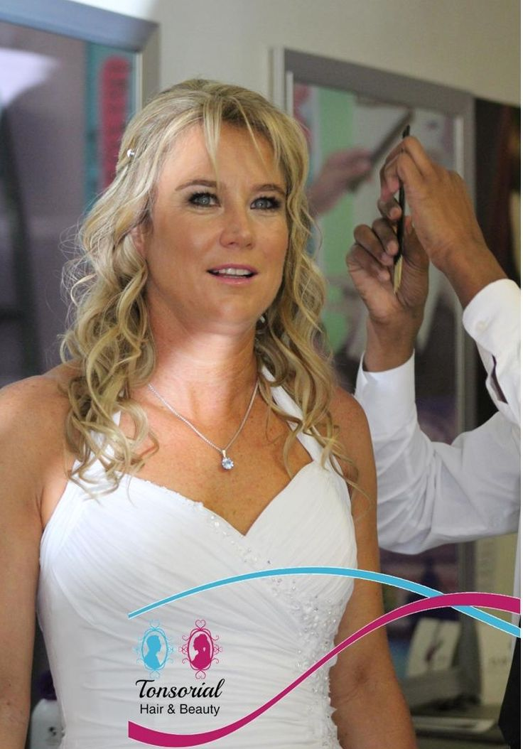 Hello world, if you want your hair to look like a model out of a magazine, you'll have to go to a great #hairstylist which use authentic products & tools in #bokaap #Capetown #Tonsorialhair #Beauty #Salon #TB #Fashion #Hair #Haironfleek #WCW #wedding #Edgar's card swipe facility available
