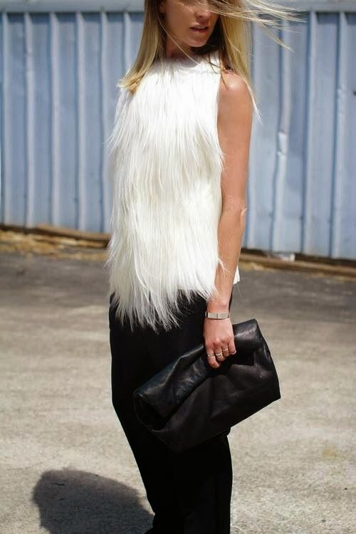 How to Chic: WHITE FUR VEST- once again must buy a faux fur