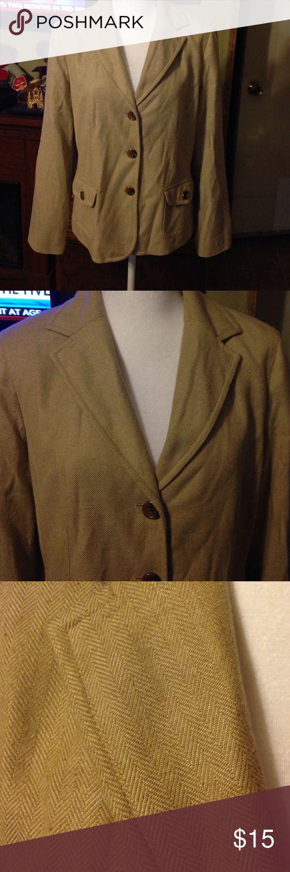 Liz Claiborne lined blazer. Sz 12. Liz Claiborne lined blazer. Sz 12.    14% Wool Liz Claiborne Jackets & Coats Blazers
