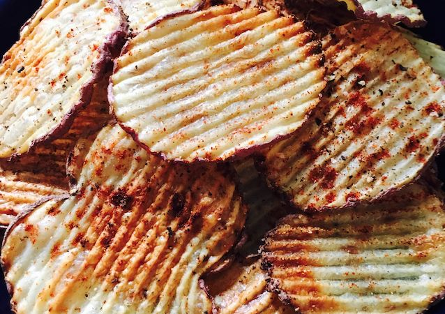 Healthy paprika baked red potatoe chips 450* 15 min each side Enjoy!
