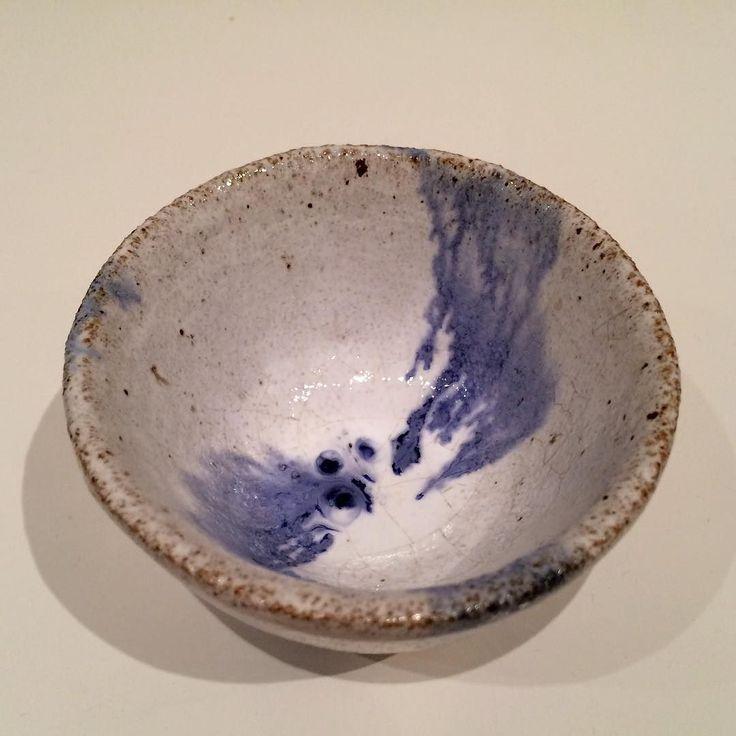 Skål. Bowl - Copyright by www.anne-mette.com  #copyright #skål #blåoghvid #skål #artgallery #ceramic #clay #ler#dekoration #køkken #keramik #loveart #danishartist #dk #service #bowl #decor #decoration #bluewhite #www.anne-mette.com