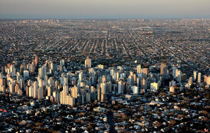 Vista aerea Lomas de Zamora al atardecer (mirando al NE)
