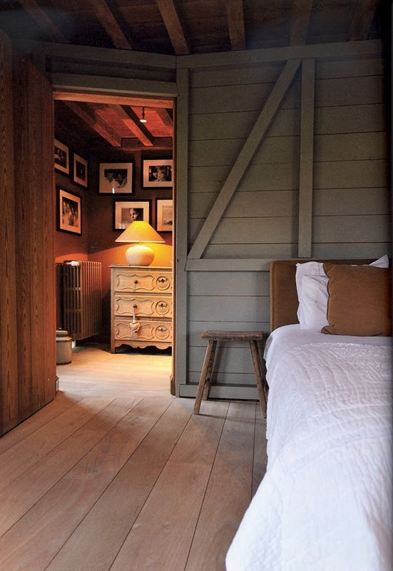 gray with natural floorsBelgian Style, Wall Boards, Cabin, Cozy, Wood, Interiors, Guest House, Shutters Ideas, Bedrooms