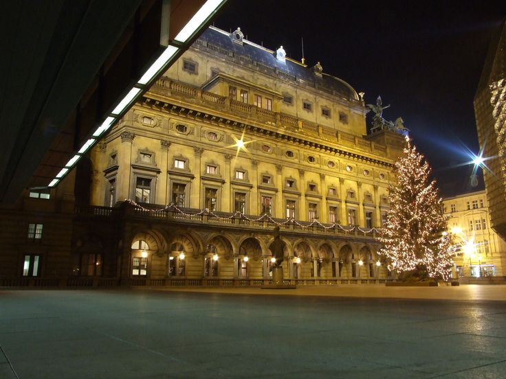 National Theatre in Christmas Time