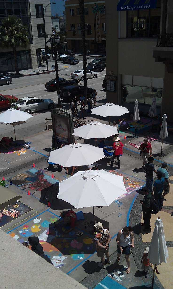 Chalk artists doing their thing at the Pasadena Chalk Festival.  Tweet @JimyTime for a discount code!