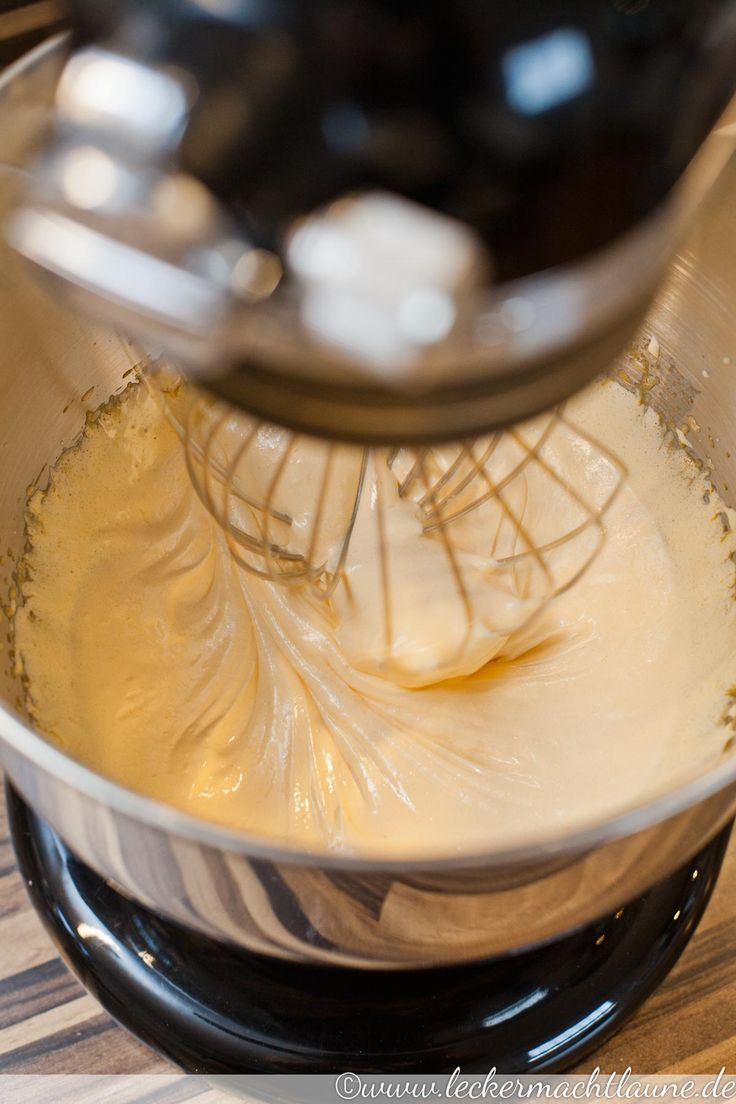Ob in Kuchen, in kalten Nachspeisen oder einfach so, zum Naschen: die Vanillecreme lässt sich sehr vielseitig verwenden.