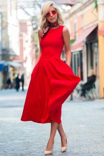 Αμάνικο φόρεμα μοντέρνο και εντυπωσιακό! Sexy, ιδιαίτερο και στυλάτο! Αναδείξτε την θηλυκή σας πλευρά με αυτό το καταπληκτικό φόρεμα. Μήκος κάτω από το γόνατο. Στυλάτο και κομψό θα σας κάνει ακαταμάχητα εντυπωσιακές! Συνδυάστε το με τα κατάλληλα αξεσουάρ και θα είστε αξέχαστες!    Μεγέθη : Medium  Χρώμα : Κόκκινο  Σύνθεση : 65%COT 30%PES 5%SP
