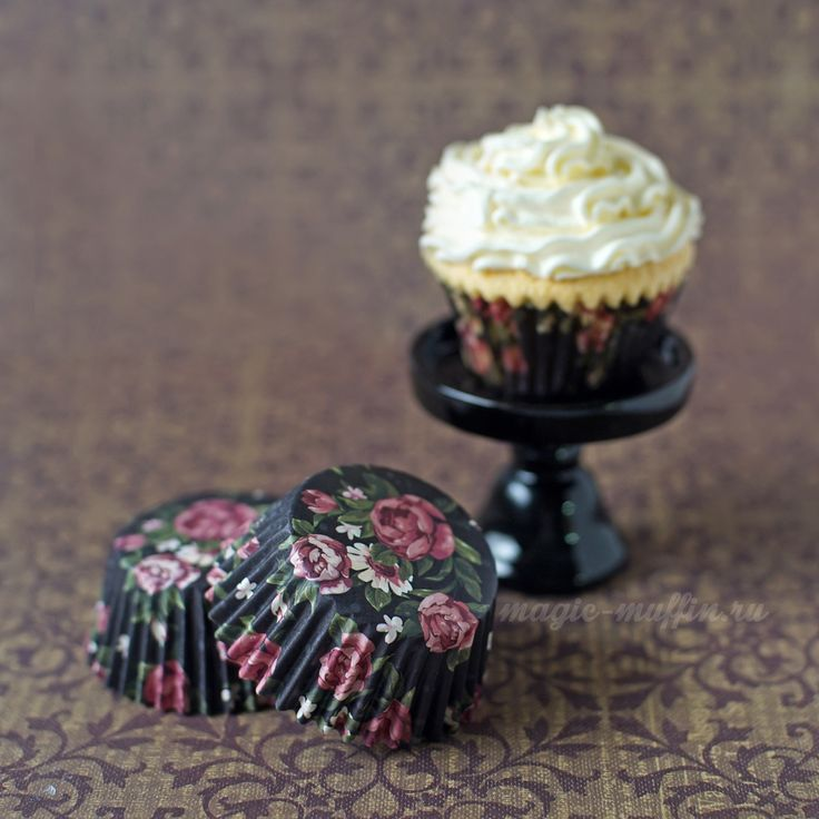 Формочки цветы на чёрном, 12 шт. капкейк маффин торт декор крем выпечка рецепт cupcake muffin cake cup baking frosting decor birthday