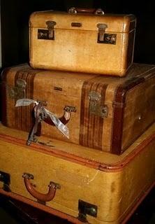 vintage suitcases: Suitcases Trunks, Vintage Suitcases, Old Suitcases, Decor Charms, Luggage Suitcases, Vintage Leather, Vintage Luggage, Trunks Suitcases, Leather Suitca