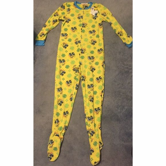 NWT Nickelodeon SpongeBob Onesie. Never worn. SpongeBob onesie! Very soft and in new condition along with tag. Grips on bottom of onesie. Juniors XL. Intimates & Sleepwear Pajamas