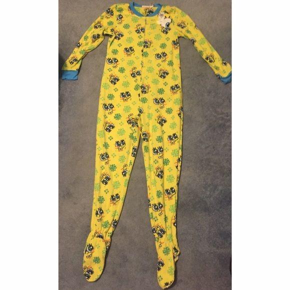 NWT Nickelodeon SpongeBob Onesie. Never worn. SpongeBob onesie! Very soft and in new condition along with tag. Grips on bottom of onesie. Juniors XL. Intimates & Sleepwear Pajamas