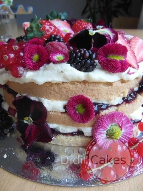 eetbare bloementaart  Workshop biologische taarten met eetbare bloemen bij didcakes.nl. Een aanrader.