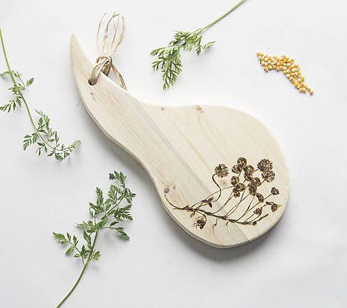 DIY handmade ChopperArt natural kitchen - herbs  ChopperArt / Drevený lopár - Ďatelina lúčna Servírovací lopár do kuchyne