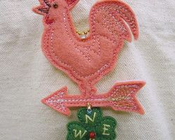 """""""pink weathercock and clover"""" embroidered lucky charm Ⓒ HAPPa-Ya Nagako Ono  URL: http://happa-ya.net #clover #felting #weathercock #chicken #rooster #cock"""