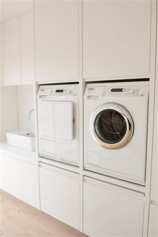 De ideale wasplaats home decor pinterest tes washers and dryers - Moderne wasruimte ...