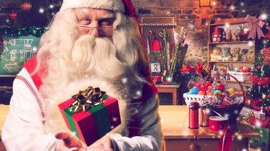 Envoyer un message vidéo personnalisée de la part du Père Noël.Vous pouvez facilement insérer le prénom du destinataire, son âge, une ou des photos, et en mentionnant le cadeau souhaité. Et le père Noël va vous dire un petit message personnalisé