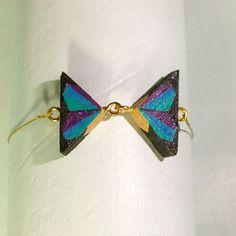 Bracelet noeud papillon noir, vert, bleu et violet